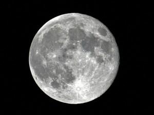 s_full-moon-300x225